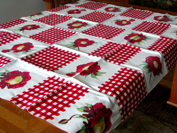 Red Gingham Flower Vintage Tablecloth Wilendur 54x47