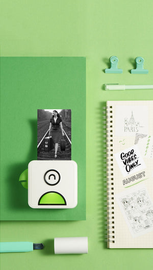 This pocket thermal printer from poooli can print any picture from your smartphone