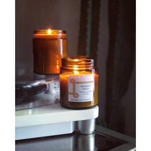 Load image into Gallery viewer, Cardamom & Tobacco Candle