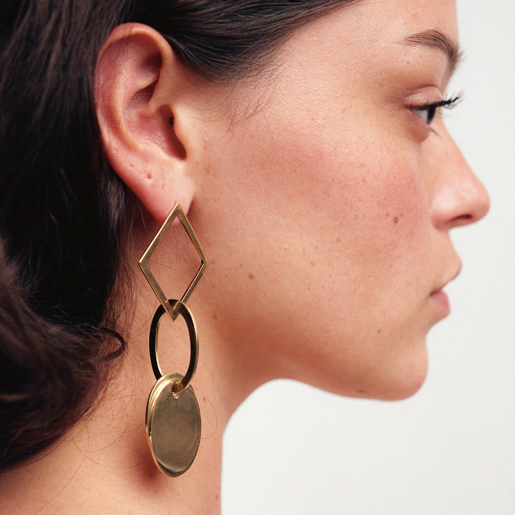 Kia Link Earrings // Horn - Raven + Lily