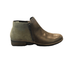 Load image into Gallery viewer, Women's ankle boot with dual zip in olive pecan | The Bower Tasmania