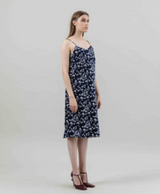 Load image into Gallery viewer, Apeu Dress
