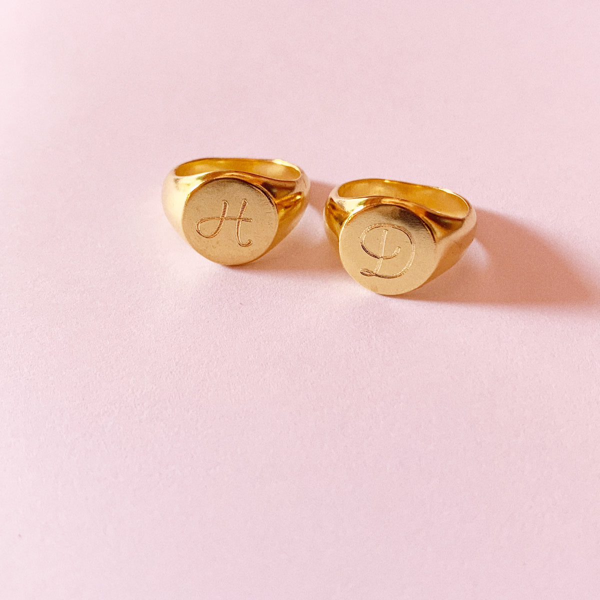 Lena Signet Ring - Solid Gold