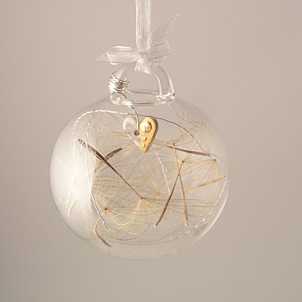 HEART glass bubble with dandelion seeds