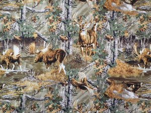 REALTREE WOODS WITH ANIMALS