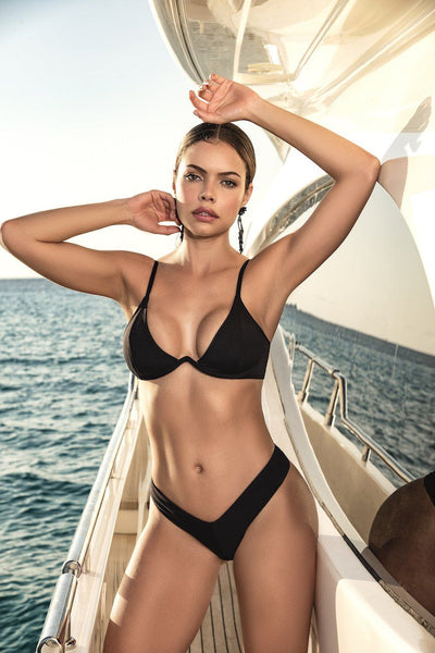 Black Three Piece Bikini With An Underwire Top