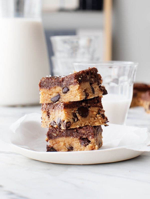 PEANUT BUTTER CHOC CHIP COOKIE BARS