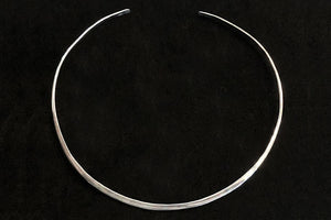 Hammered Neck Wire in Gold or Silver