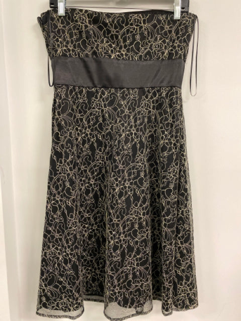Size 8 R & M RICHARDS Dress