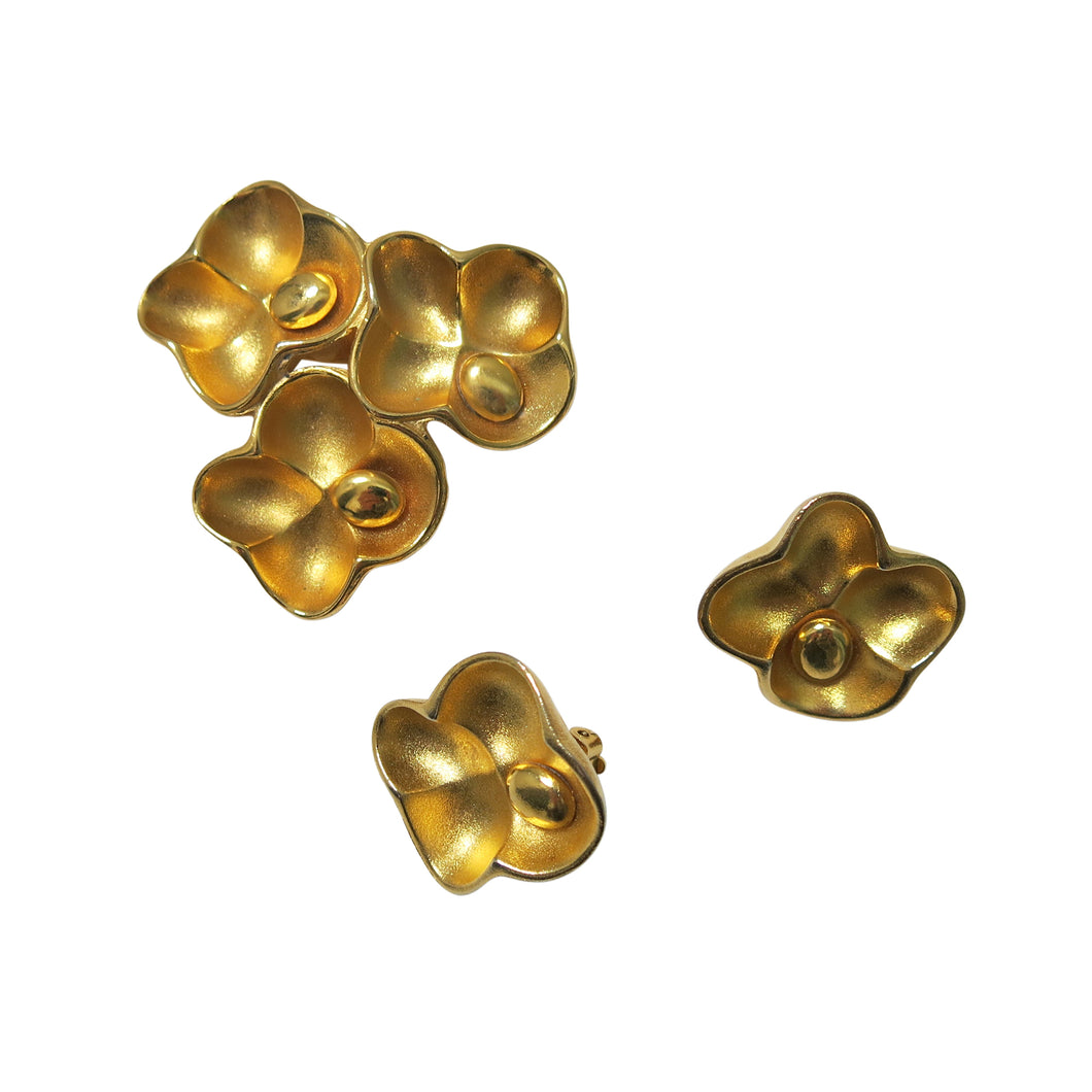 Gold Flower Brooch and Earrings Set – Vintage Oscar de la Renta - shopcurious