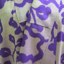 Load image into Gallery viewer, Mauve and Gold Ikat Vintage Kimono - shopxcurious