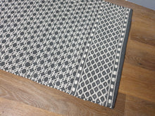 Load image into Gallery viewer, Handwoven Rug 100% Cotton