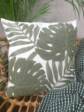 Load image into Gallery viewer, Botanical jungle cushion