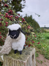 Load image into Gallery viewer, Fluffy Felt Sheep