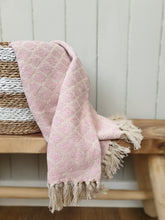 Load image into Gallery viewer, Pink Diamond Design Cotton Throw