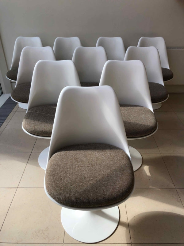 Knoll Tulip Swivel Chair-Chairs-Eero Saarinen-LOT.co.uk