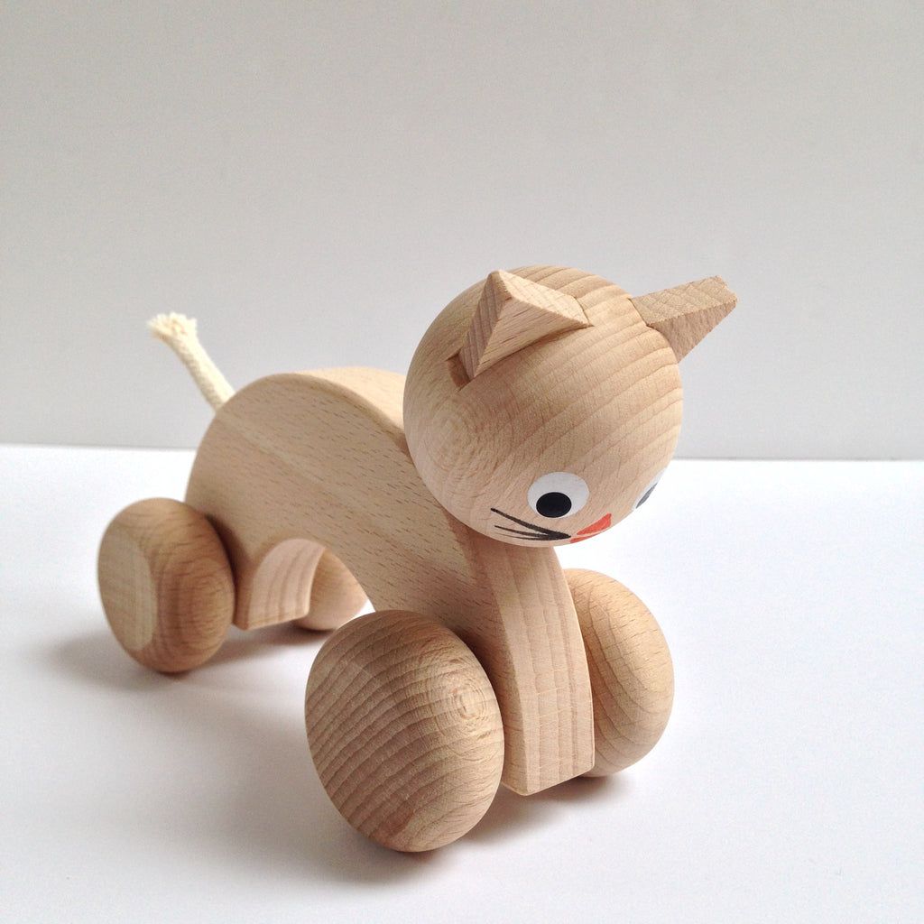 WOODEN PUSH ALONG CAT