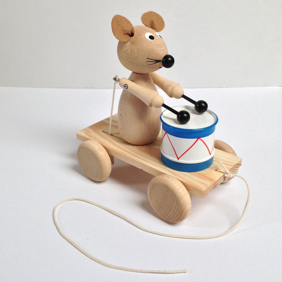 WOODEN DRUMMING PULL ALONG MOUSE