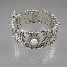 Load image into Gallery viewer, Vintage William Spratling Vindobonensis link bracelet with pin closure, Mexican, 1930s. 980 purity sterling silver, signed with the Spratling mark used between 1933 and 1938. Made in Taxco, Mexico.