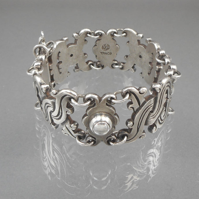 Vintage William Spratling Vindobonensis link bracelet with pin closure, Mexican, 1930s. 980 purity sterling silver, signed with the Spratling mark used between 1933 and 1938. Made in Taxco, Mexico.