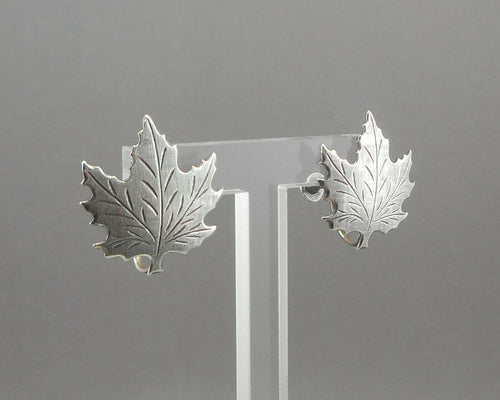 Vintage 1950s Beau Sterling Silver Maple Leaf Screw Back Earrings