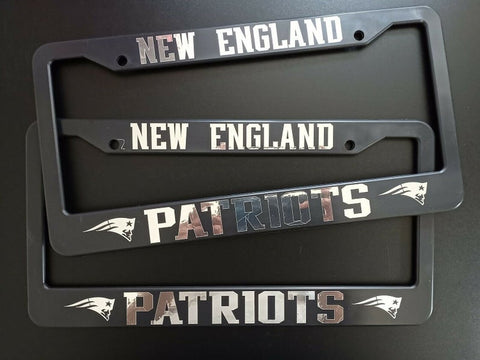 - SET of 2 - New England Patriots Plastic License Plate Frames