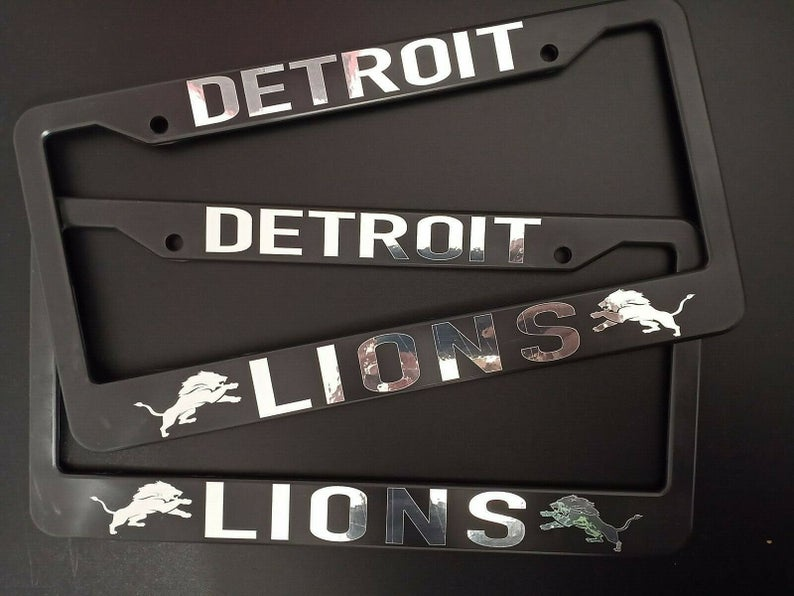 - SET of 2 - Detroit Lions Plastic License Plate Frames