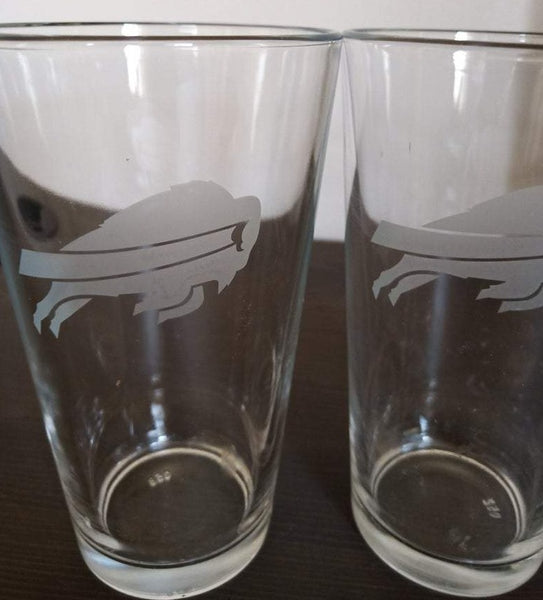 SET Buffalo Bills Custom Pint Pub Glasses Etched Tumbler Drinkware