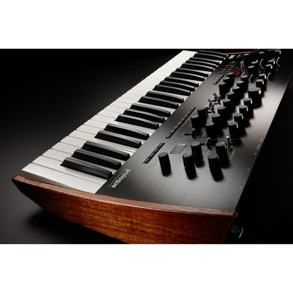 IN STOCK - Synths / Keyboards