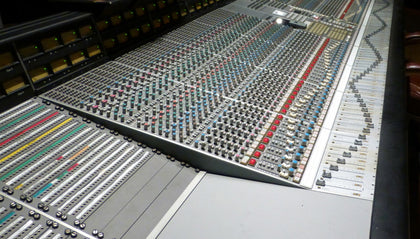Used / B-Stock / Demo Mixing Consoles