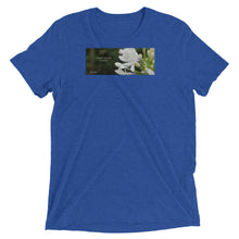 "Load image into Gallery viewer, Agapanthus-Indigo Frost.  ""Immerse yourself in silence"". Short sleeve t-shirt"