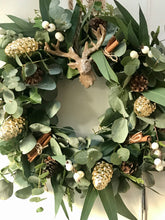 Load image into Gallery viewer, Fresh Eucalyptus base wreath