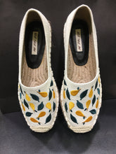 Load image into Gallery viewer, FW- Forest white, white canvas,embroidery espadrilles