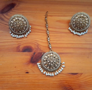 Studs and Maang Tikka Set