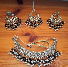Load image into Gallery viewer, Maya Kundan Necklace Set