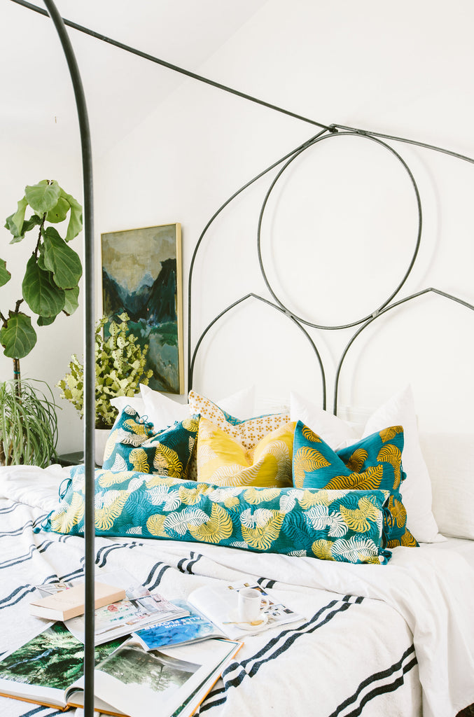 BOLD BOTANICALS: BRINGING THE OUTDOORS IN