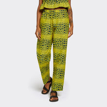 Load image into Gallery viewer, Elastic Waist Trousers Wild Leopard
