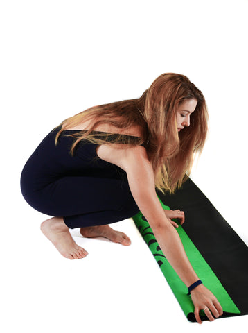 how to fold a yoga mat