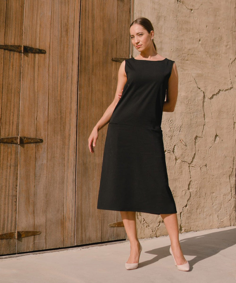 Ember Black Sleeveless Midi Dress