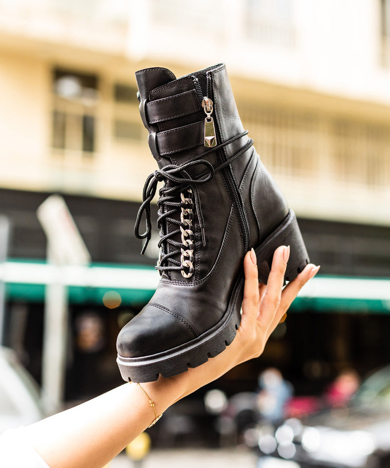 La 6ème Unity Boots in Black