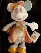 Carregar imagem no visualizador da galeria, Pelúcia  Minnie Mouse The Main Attraction KING ARTHUR Carousel Plush I