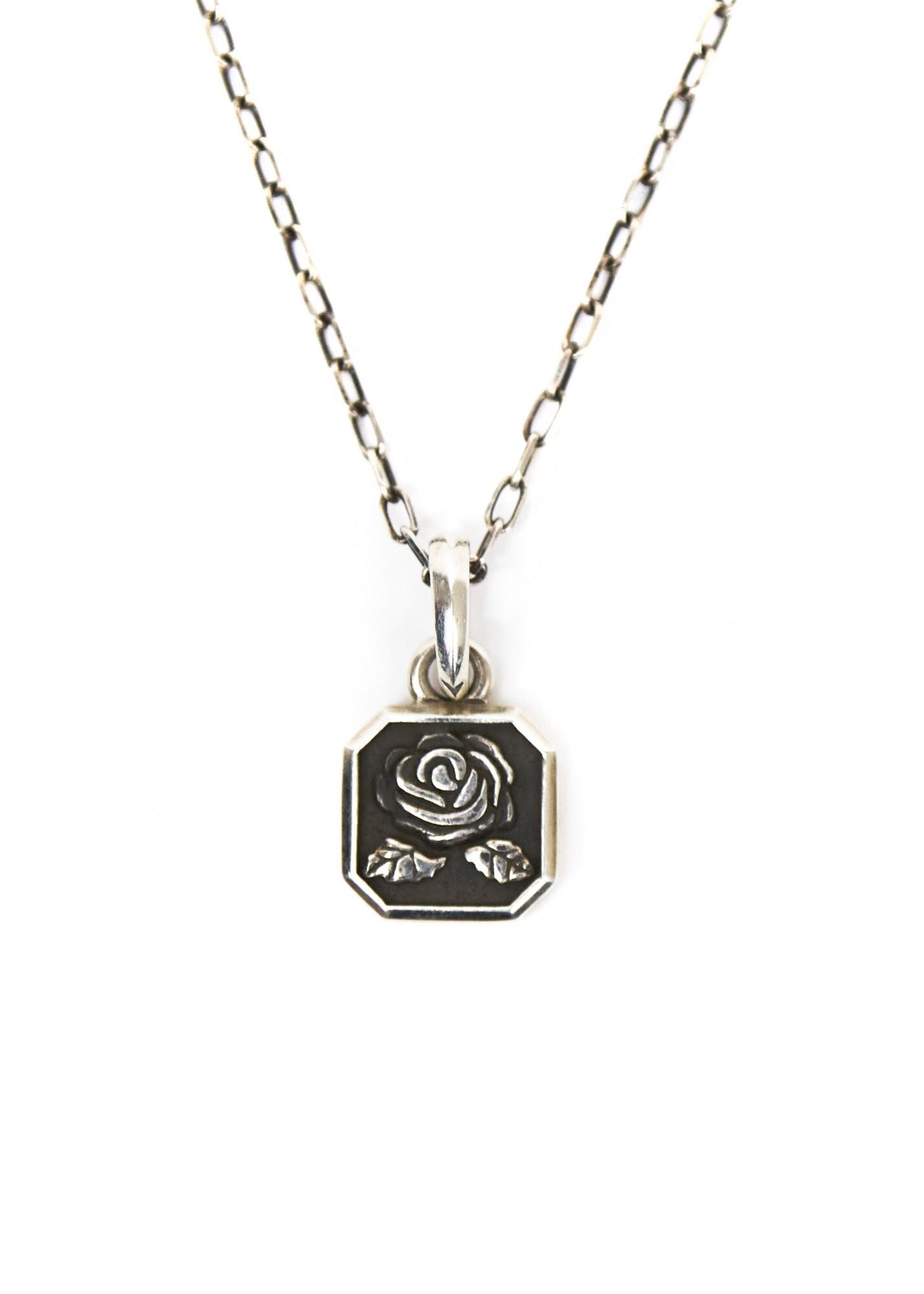 Rosebud Necklace Silver