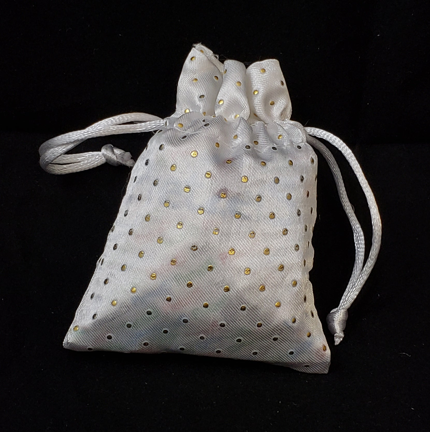 Elegant White Sack Bag With Gold Poka Dots Oifrief Pekelach
