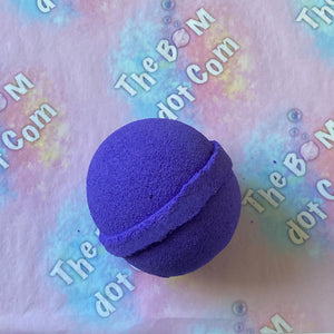 Blackcurrant bath bomb