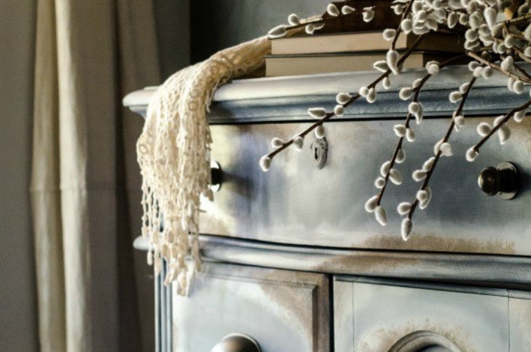 Dixie Belle Sea Spray -- How to Create Texture with Sea Spray & Mineral Chalk Paint