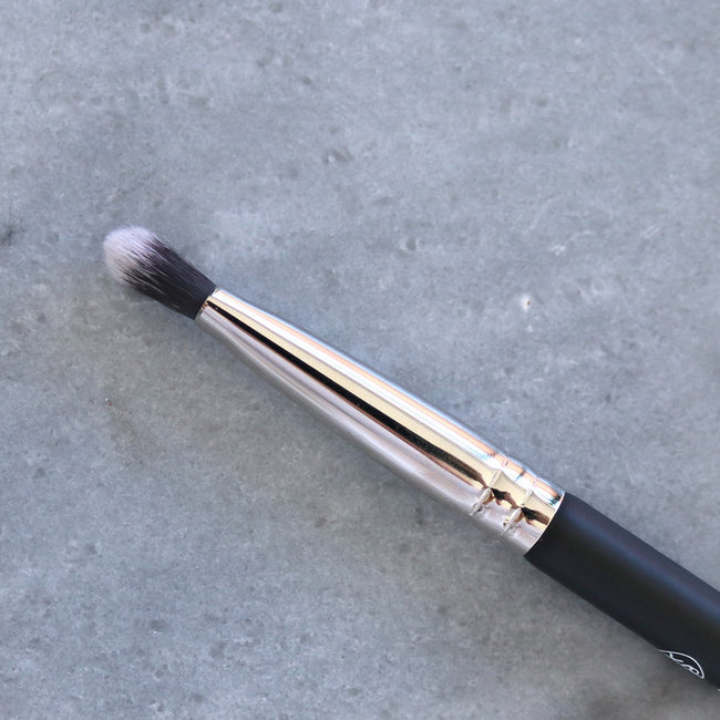 Crease Detail Brush