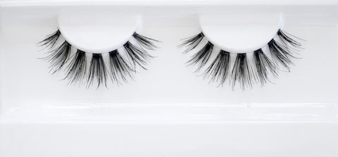 """The Chic"" False Lashes"