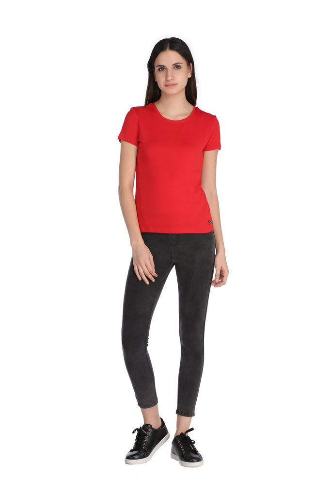 Madame Round Neck Basic Top