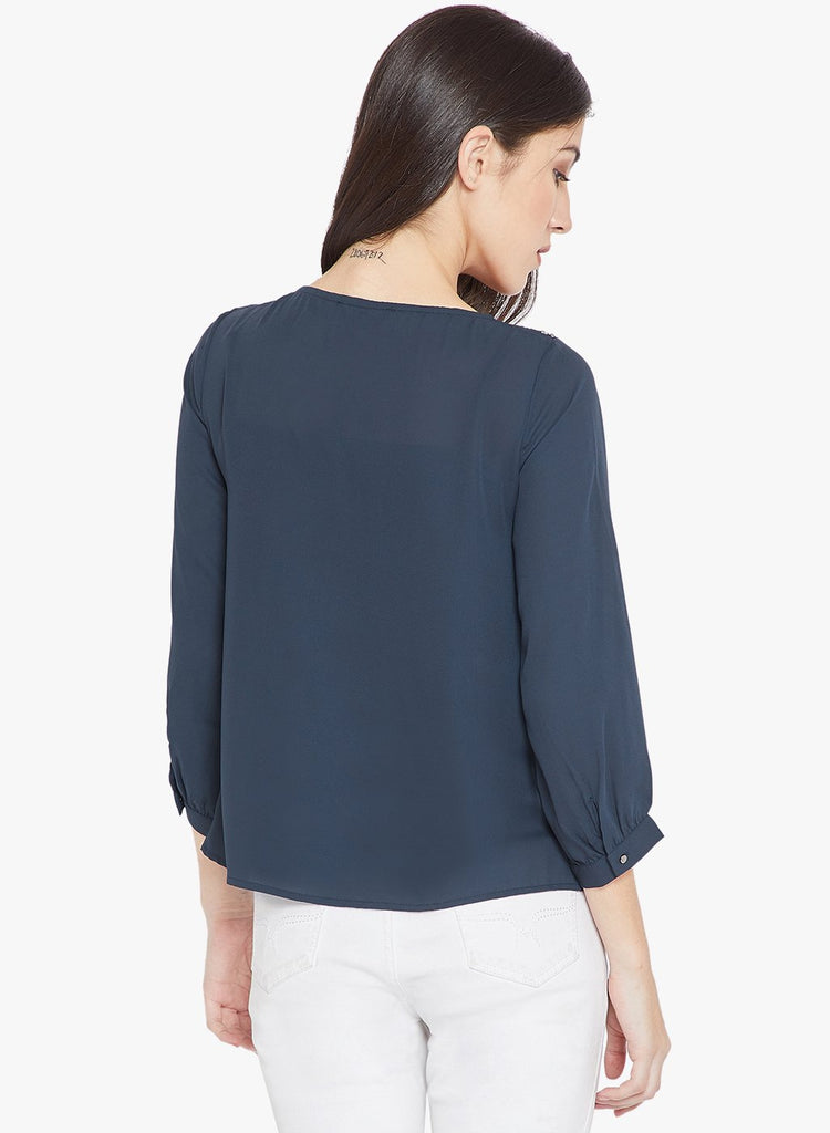 Madame Navy Color top