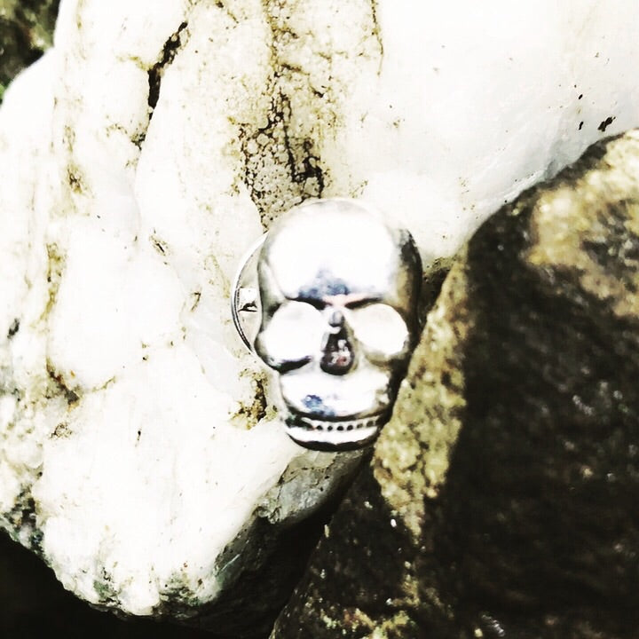 Skull Badge Tack